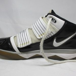 b928ad148d5 Nike Shoes - Nike-Zoom Soldier Team Bank Dream Lebron James